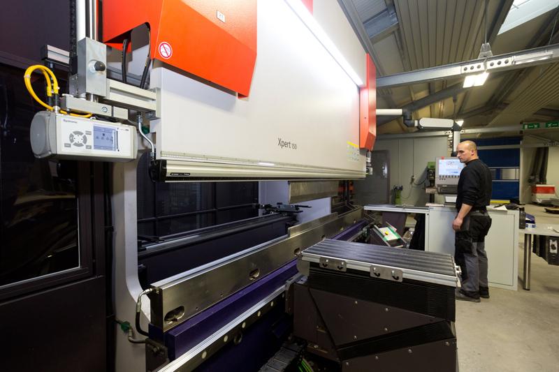 Metallbau Tiefenböck Blechbearbeitung Pulverbeschichtung